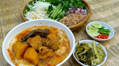 Red Khmer Chicken Curry Noodle