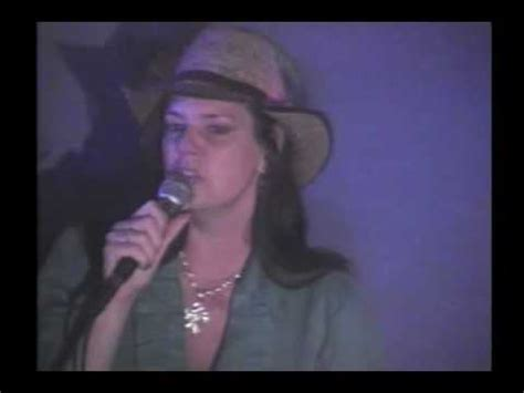 Carrie Moon sings Don't Know Why by Norah Jones - YouTube