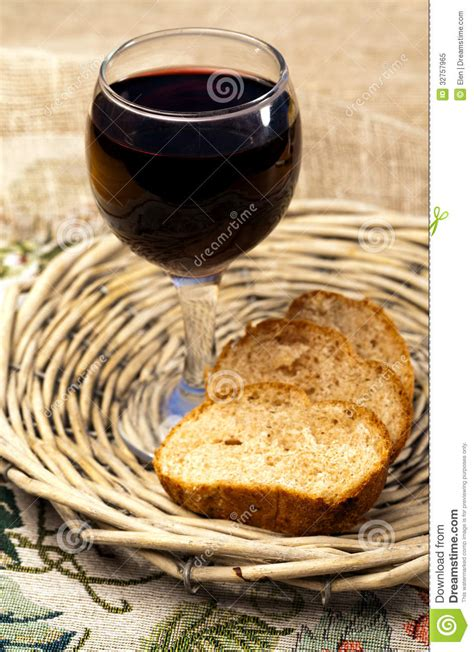 Food - Plate With Bread And Red Wine Royalty Free Stock