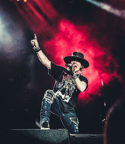 Party - Guns N' Roses - Not In This Lifetime Tour - Arena