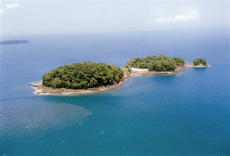 USA: Angelina Jolie Did Not Buy A Private Island for Brad