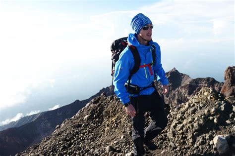 Navarino sponsors world's first attempt to hike the length
