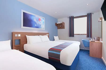 Cheapest Hotel For Heathrow Airport Terminal 5, Travelodge T5