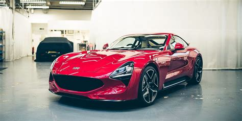 2017 TVR Griffith unveiled: V8 two-seater marks official