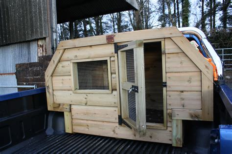 Fitted wheel arch dog box, The Wooden Workshop, Oakford