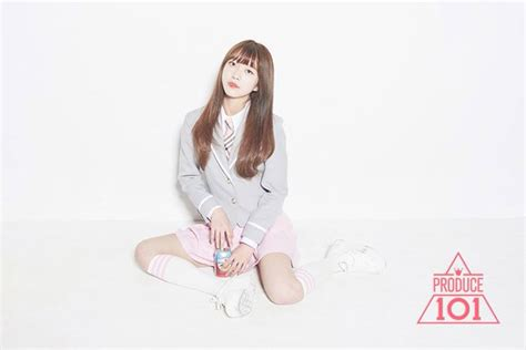 """""""Produce 101"""" contestant Kim So Hee reveals her ideal type"""